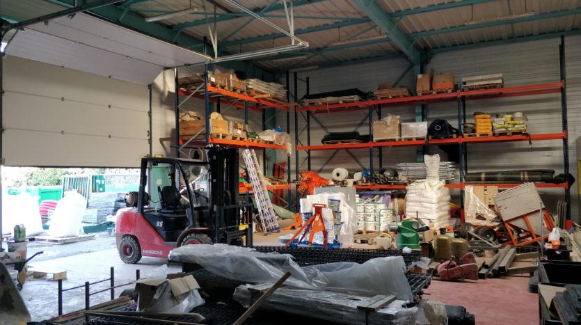 Local d'activité entrepôt bureaux Angers Beaucouzé Bouchemaine